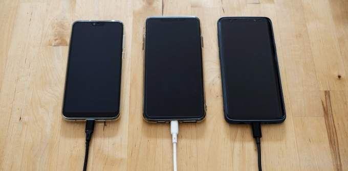 ¿Por qué mi teléfono se carga tan lentamente?  5 posibles razones