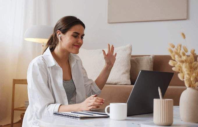 Cómo levantar la mano en una reunión de Zoom