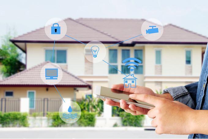 Cómo usar dispositivos inteligentes para proteger su hogar