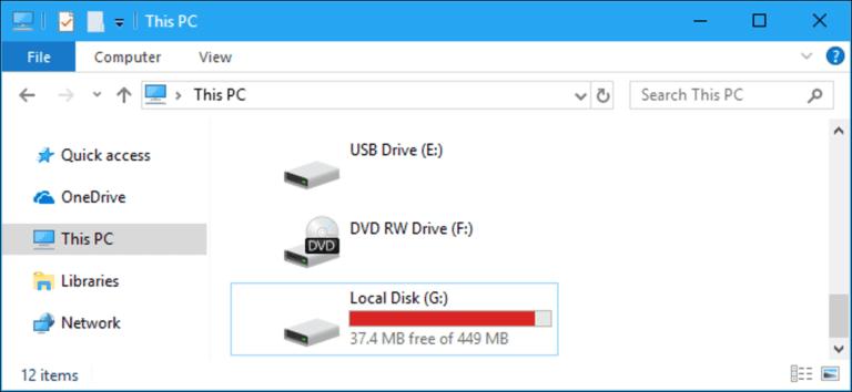 Cómo ocultar una partición de recuperación (u otra unidad) en Windows