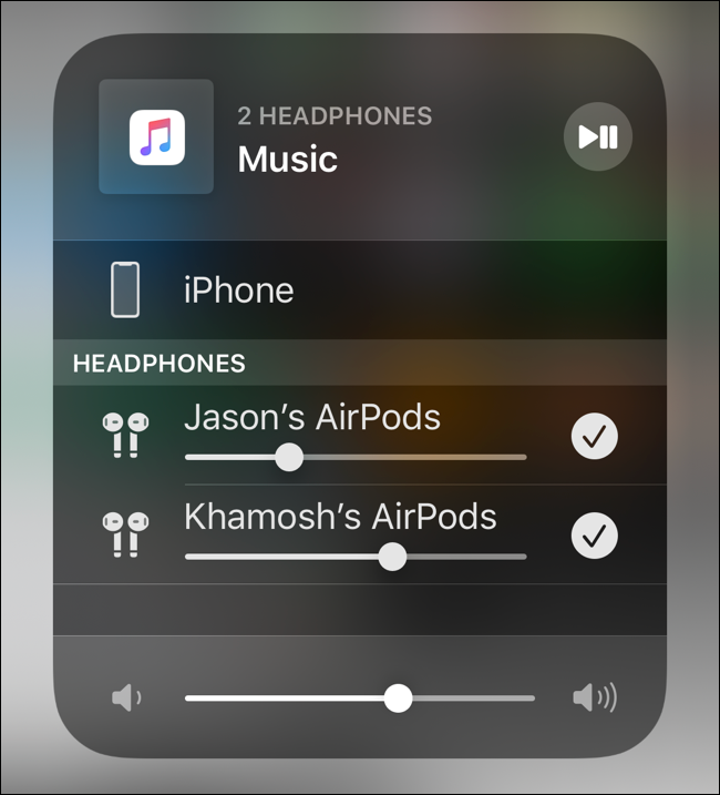 Controla el volumen de los dos AirPods juntos o individualmente